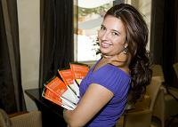 Mónica Grossoni nos presetna su libro Salva tu vida. 2007